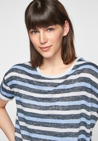 comma casual identity - Print T-shirt - dark blue stripes - 4