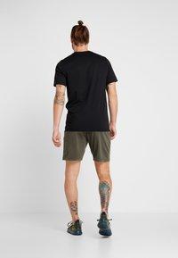 Nike Performance - DRY SHORT  - Pantalón corto de deporte - cargo khaki/black - 2
