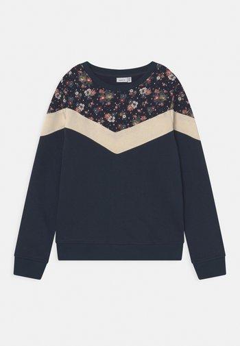NKFNOSTER - Sweatshirt - dark sapphire