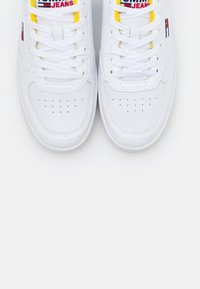 Tommy Jeans - CUPSOLE  - Trainers - white/valley yellow - 5