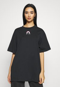 Monki - TORI TEE - T-shirts med print - off black - 0