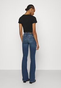 Liu Jo Jeans - BEAT REG - Vaqueros bootcut - blue avatar wash - 2