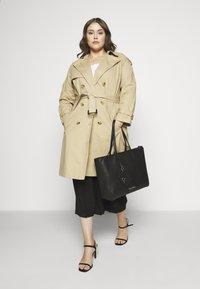 Calvin Klein - MUST SHOPPER SET - Torba na zakupy - black - 1