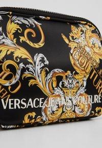 Versace Jeans Couture - CAMERA BAG  - Torba na ramię - multi-coloured - 3