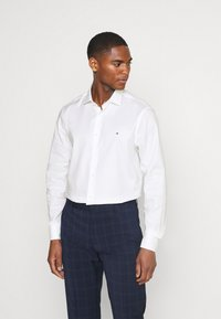 Tommy Hilfiger Tailored - SLIM FIT - Formal shirt - white - 0