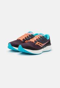Saucony - TRIUMPH 18 - Neutrální běžecké boty - future black - 1