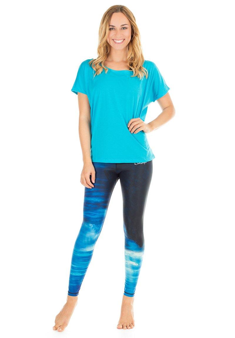 Winshape - MCT002 ULTRA LIGHT - Print T-shirt - sky blue