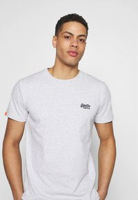 Superdry - VINTAGE CREW - Basic T-shirt - grey - 4