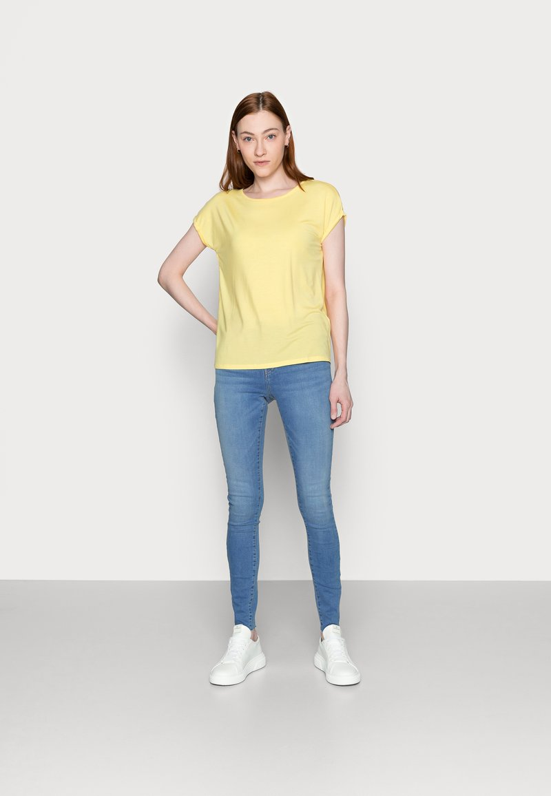 Vero Moda Tall - VMAVA PLAIN 2 PACK - Basic T-shirt - desert sage/cornsilk