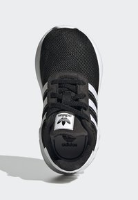 adidas Originals - LA TRAINER LITE SHOES - Sneakersy niskie - core black/ftwr white/core black - 1