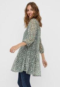 Vero Moda - VMWONDA TUNIC - Day dress - laurel wreath - 4