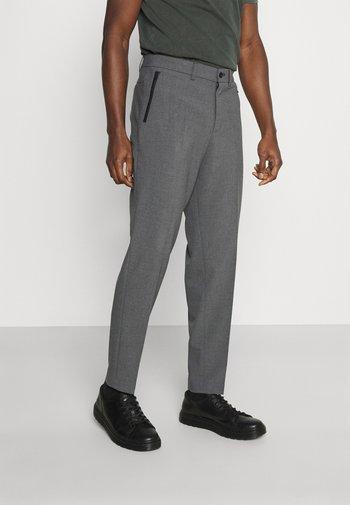 SLHSLIMTAPERED JAMES - Kostymbyxor - medium grey melange