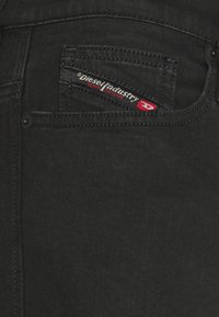 Diesel - D-ISTORT-X-SP2 - Slim fit jeans - 069ti - 6