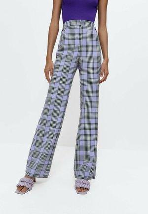MIT KAROMUSTER - Trousers - purple