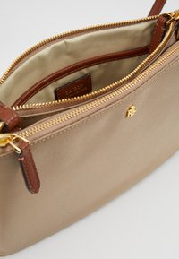 Lauren Ralph Lauren - CARTER CROSSBODY MEDIUM - Across body bag - clay - 4