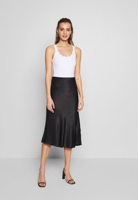 New Look - SCALLOP BODY 2 PACK - Top - black - 1