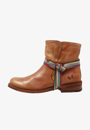 GREDO - Classic ankle boots - cognac