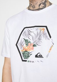 Quiksilver - FADING OUT  - T-shirt con stampa - white - 3