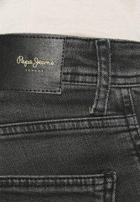 Pepe Jeans - CASH 5 PKT - Jeansy Slim Fit - grey denim - 4