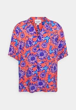 SHIRT IN POLARISED FLOWER - Shirt - red/blue