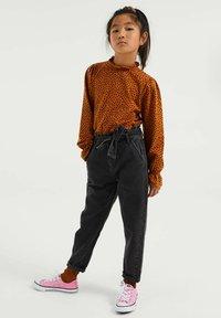 WE Fashion - Straight leg jeans - black - 0