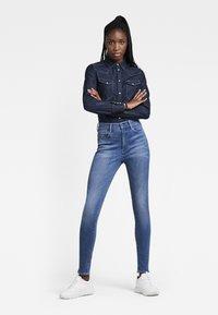 G-Star - G-STAR SHAPE HIGH SUPER SKINNY - Jeans Skinny Fit - medium aged - 1