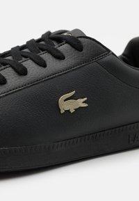 Lacoste - GRADUATE - Sneakersy niskie - black - 5