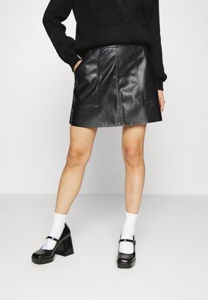 VMSYLVIA SHORT SKIRT - Spódnica mini - black