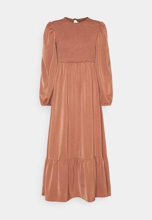 FLOWERBED DRESS - Maxi šaty - burnt brick
