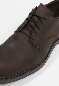 Timberland - SQUALL CANYON OXFORD - Lace-ups - dark brown - 5