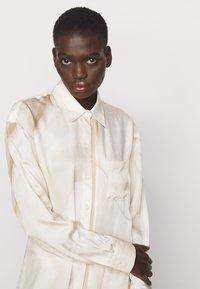 Tiger of Sweden - LITORE - Robe chemise - artwork - 3