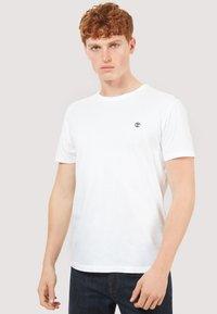 Timberland - BASIC SLIM TEE 3 PACK - Basic T-shirt - grey/white/black - 4