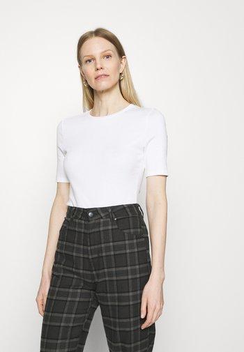 2 PACK - T-shirts - white/black