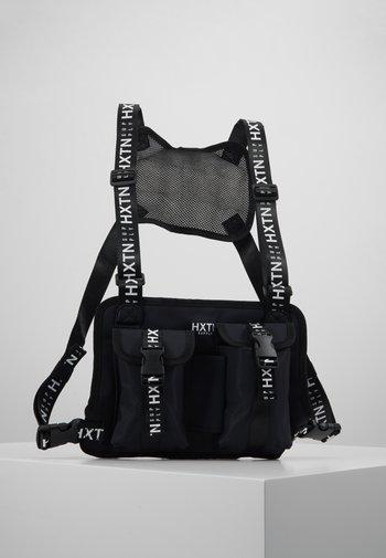 PRIME BODYBAG - Across body bag - black