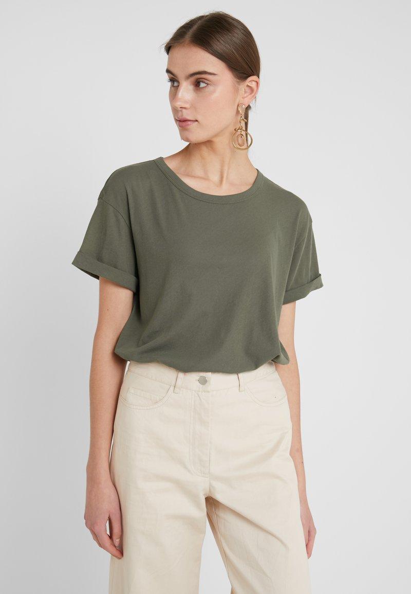 DRYKORN - LARIMA - T-shirt basic - oliv