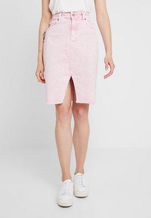 NEW SABRINA - Pouzdrová sukně - pink
