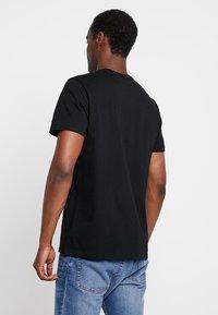 GAP - ORIG ARCH  - Print T-shirt - true black - 2
