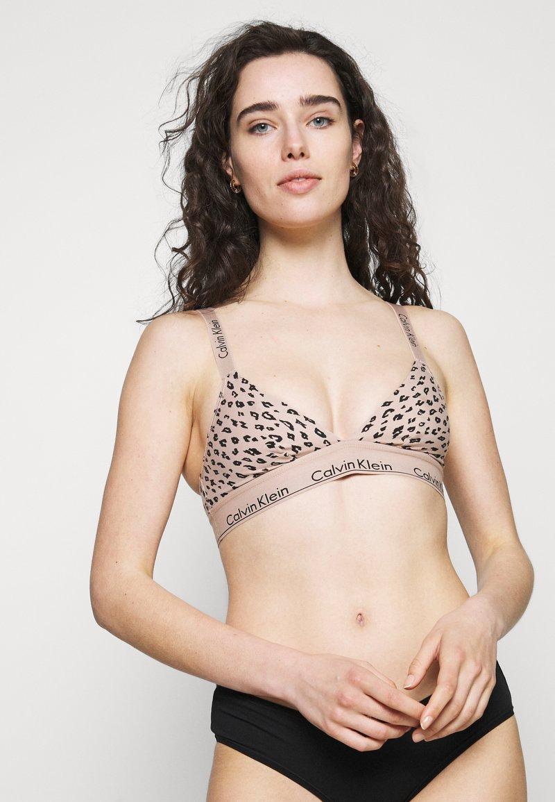 Calvin Klein Underwear - MODERN UNLINED BRALETTE - Kaarituettomat rintaliivit - honey almond