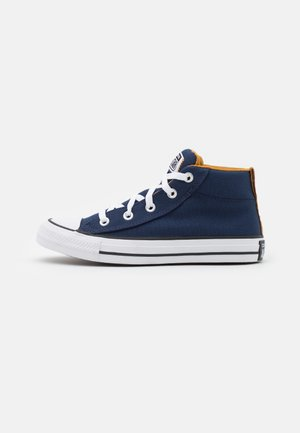 CHUCK TAYLOR ALL STAR STREET MID UNISEX - Sneakersy wysokie - midnight navy/ dark soba/white