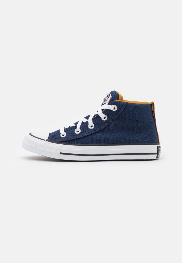 CHUCK TAYLOR ALL STAR STREET MID UNISEX - Sneakers hoog - midnight navy/ dark soba/white