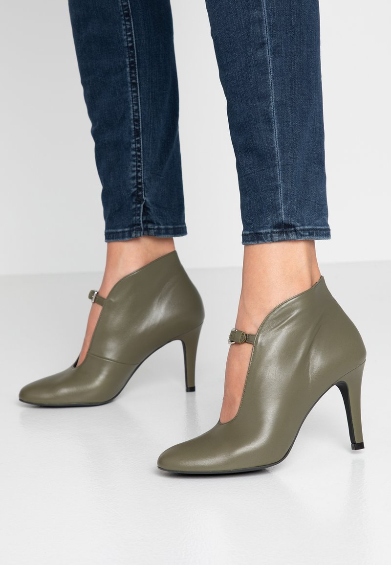 Toral - High heeled ankle boots - tibet pino