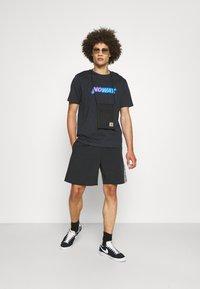 HUF - HYBRID - Shorts - black - 1