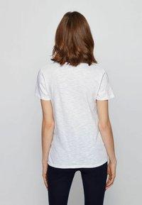 BOSS - T-shirt basique - white - 2