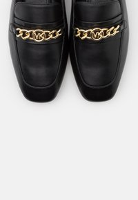 MICHAEL Michael Kors - DOLORES LOAFER - Slip-ons - black - 5