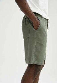 DeFacto - Shorts - khaki - 4