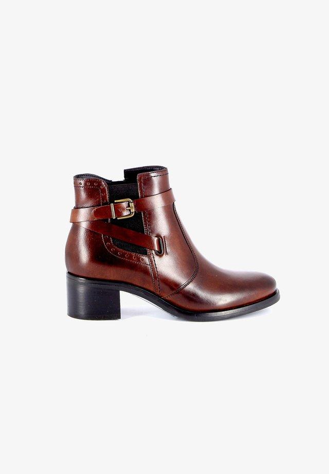 BEATRO - Korte laarzen - brown
