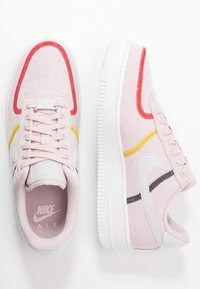 Nike Sportswear - AIR FORCE 1 - Sneakers laag - silt red/summit white/bright citron/universe red/black - 1