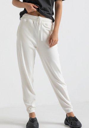 SPODNIE BAMBOO PUMPY DRESOWE - Spodnie treningowe - white