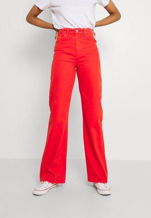 IDUN - Jeans straight leg - red
