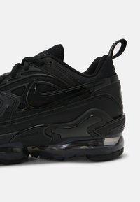 Nike Sportswear - AIR VAPORMAX EVO UNISEX - Baskets basses - black - 3